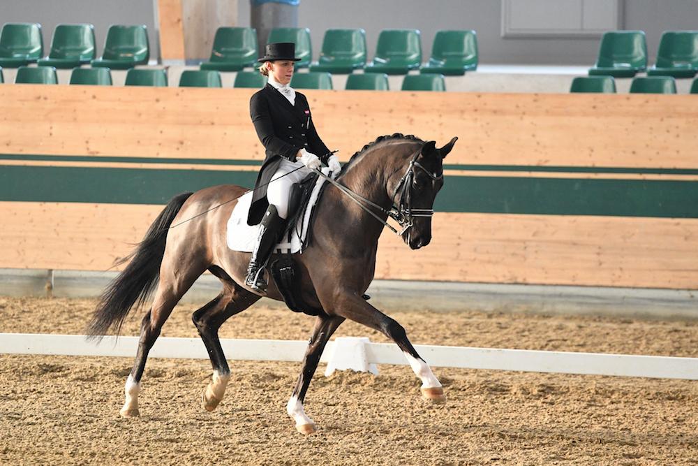 Karoline Valenta und Valenta's Diego überzeugten im U25-Grand-Prix. Foto: © Privat