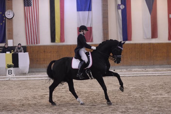 Platz 2 für Franziska Fries (NÖ) und ihren Atomic 2 im Grand Prix von Weikersdorf. © Istvan Lehoczky