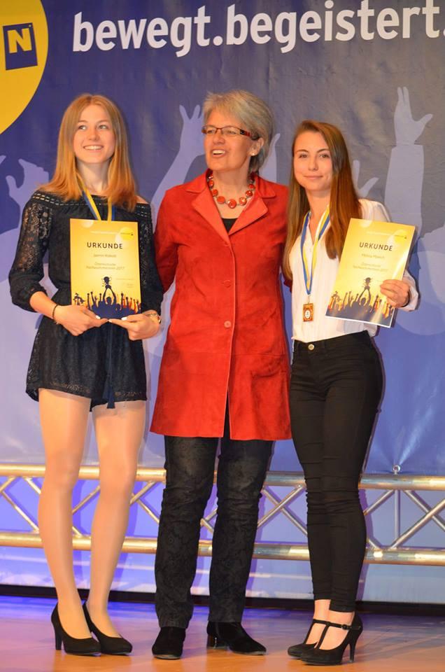 """Jasmin Kobold wurde am 15. Mai bei der NÖ Sportlerehrung """"Young Champions 2017"""" von Landesrätin Dr. Petra Bohuslav geehrt. © © Mühlbachhof-Bartmann"""