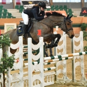 Die 15-jährige Julia Jaritz (NÖ) durfte sich zum Saisonauftakt über sehr gute Platzierungen bis zu einer Höhe von 1,25 m Höhe freuen. © HORSIC.com
