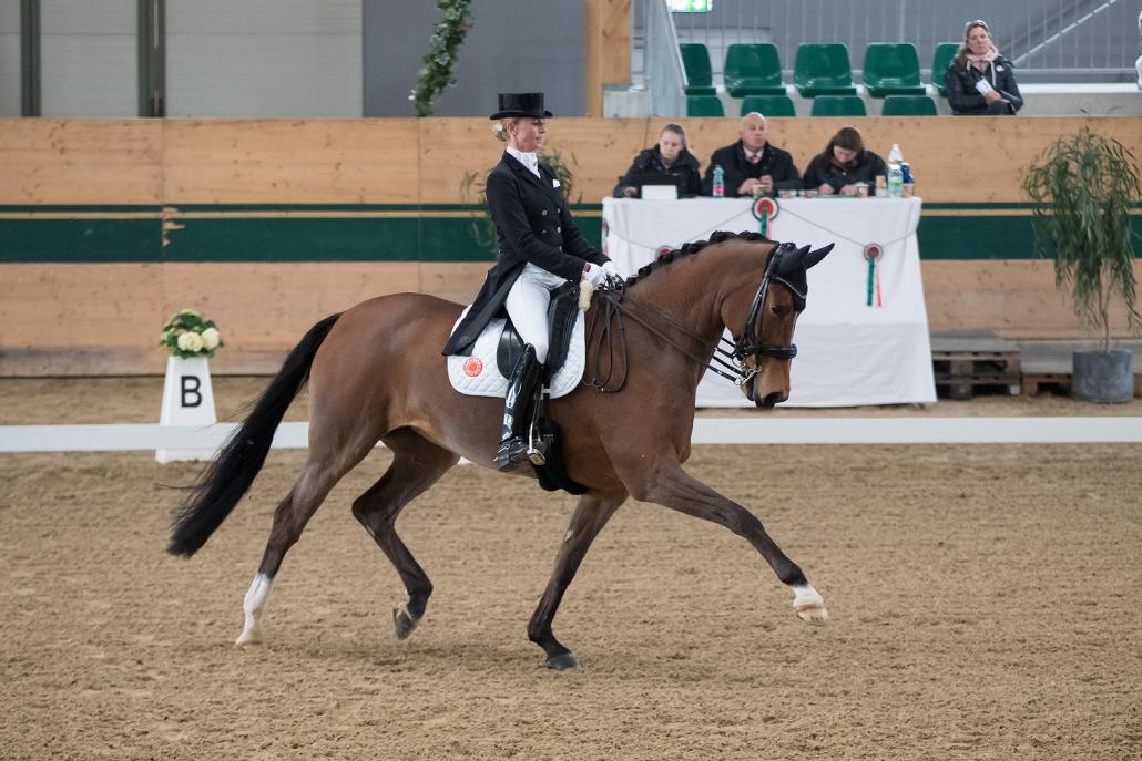 Team-Weltmeisterin Jessica von Bredow-Werndl (GER) und Zaire siegten in der Qualifikation zur Grand Prix Kür. © Michael Rzepa