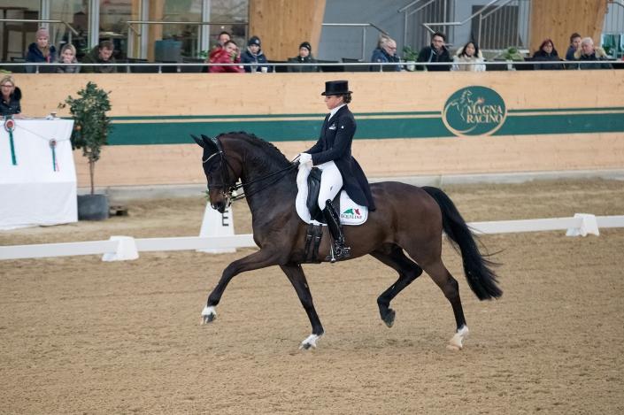 81,021% gab es im Grand Prix Spezial für Dorothee Schneider (GER) und ihr Olympiapferd Showtime. © Michael Rzepa