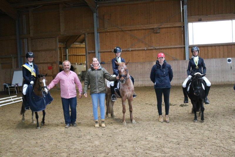 Die Ländlichen NÖ Landesmeister B-Pony Dressur: Dubsky Caroline Isabelle / Emely 8, , Mona Held / Bubble, Dupovec Christa / Herkules 12. © privat