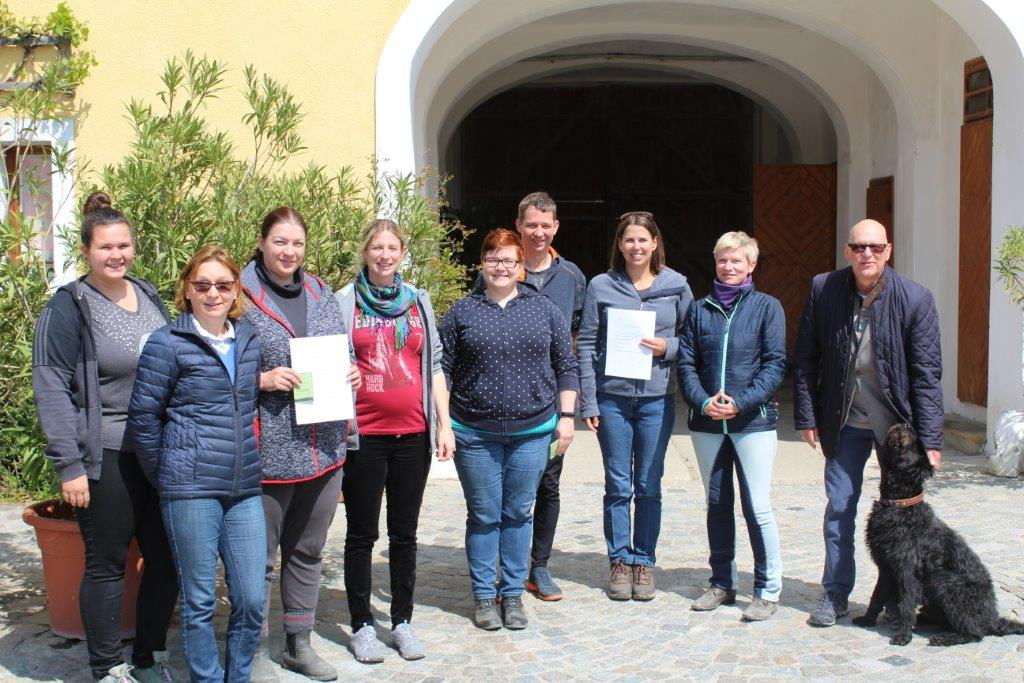 Pferdesamariterausbildung im Reitstall der Fam. Deckardt in Rappoltenkirchen. © privat