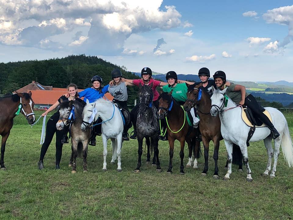 Herzliche Gratulation an die Mounted Games Mädels vom Pferdesportzentrum Breitenfurt. © Facebook Pferdesportzentrum Breitenfurt