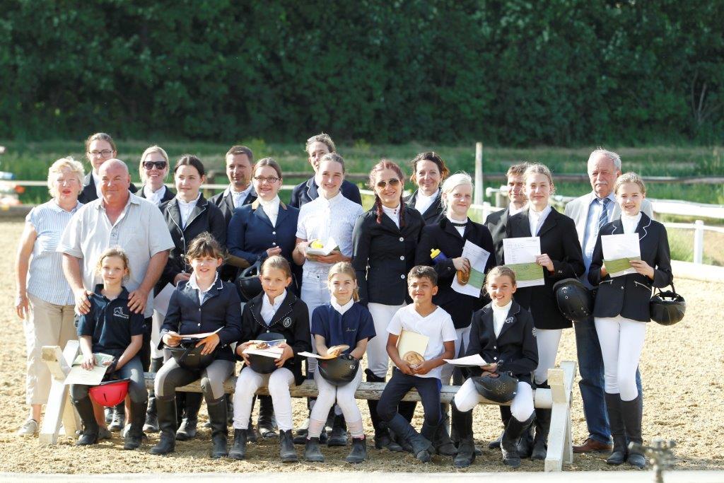 Wir gratulieren allen Teilnehmern der Sonderprüfung in Hatzenbach. © Christian Bissuti