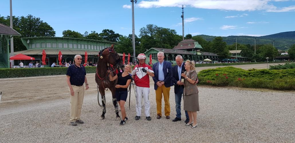 Der Sieg im 1. Österreichischen Preis des Niederösterreichischen Pferdesportverbandes NOEPS ging an Johann Lichtenwörther und Opal Venus. © NOEPS