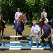Günter Keglovits und NOEPS Präsident Ing. KR Gerold Dautzenberg gratulierten dem Sieger und den Platzierten im Prestige Amateur Cup. © NOEPS