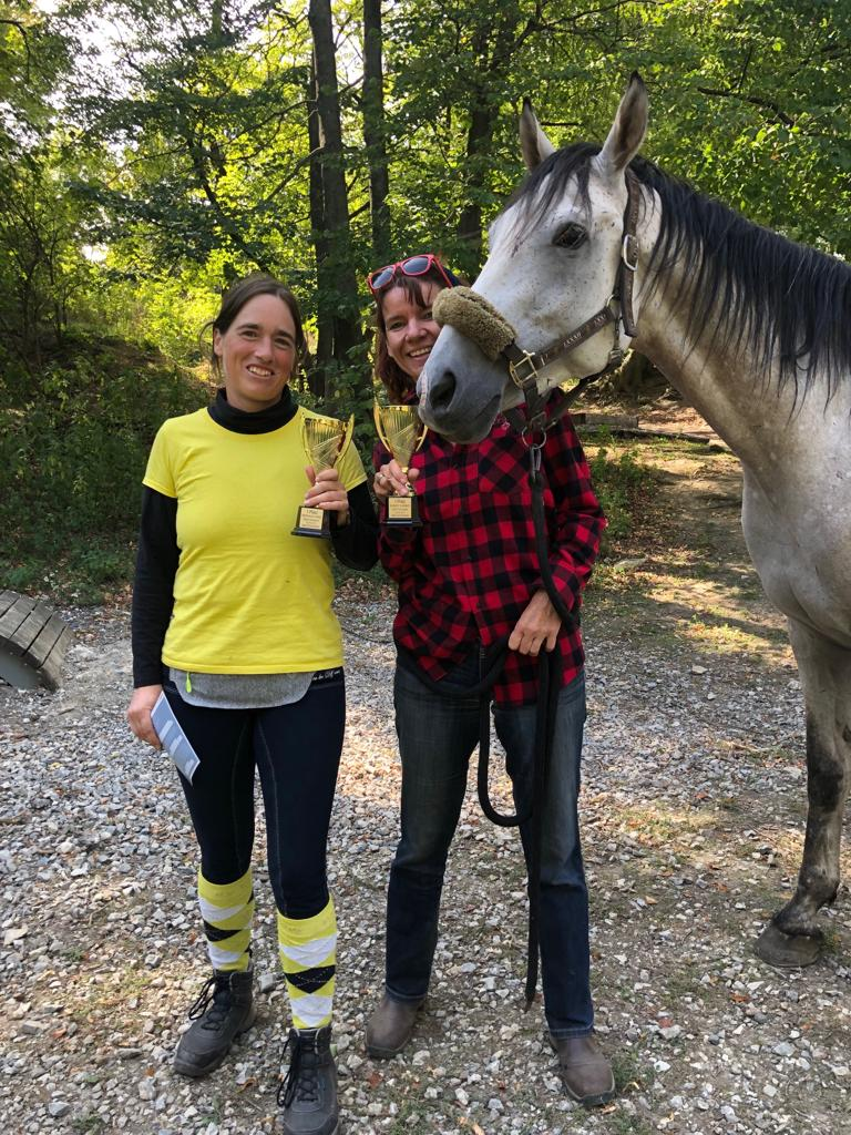 Michaela Reš und Claudia Schwendimann waren am 22.9.19 beim Extreme Trail Hausturnier in Sommerrein erfolgreich am Start. © privat