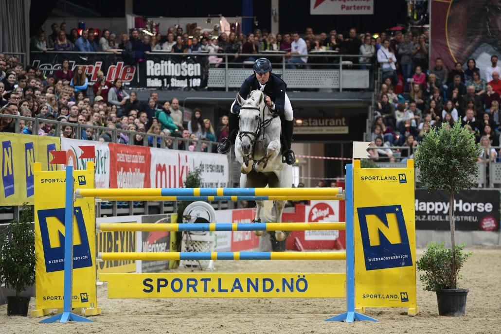 Kamil Grzelczyk siegte im Großen Preis vom Sportland Niederösterreich. © HORSIC.com