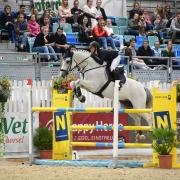 Lisa Schranz und Cascadeur werden hervorragende zweite im EY Cup am Samstag in der Arena Nova. © HORSIC.com
