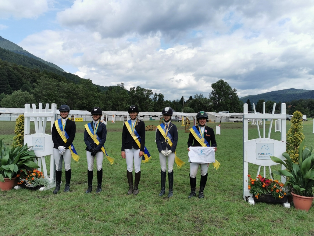Die Pferdeklinik Kottingbrunn stellte Sachpreise zur Verfügung für den Reiter jeder Klasse, welcher der Idealzeit am nächsten kam. © Pferdewelt Reichenau