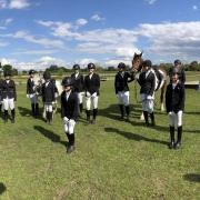 Herzliche Gratulation den Prüflingen im RV Shetty Farm zur bestanden Sonderprüfung. © RV Shetty Farm