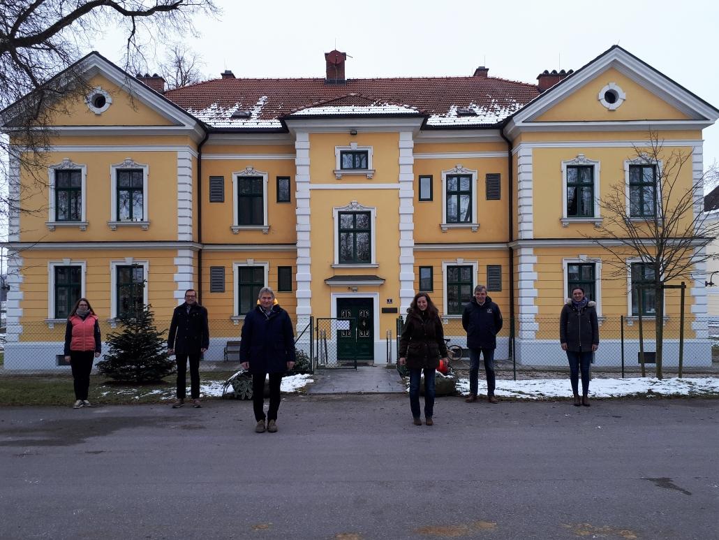 Dipl. Ing. Natascha Stolka hat ihr Büro im Pferdezentrum Stadl-Paura bezogen. © ZAP