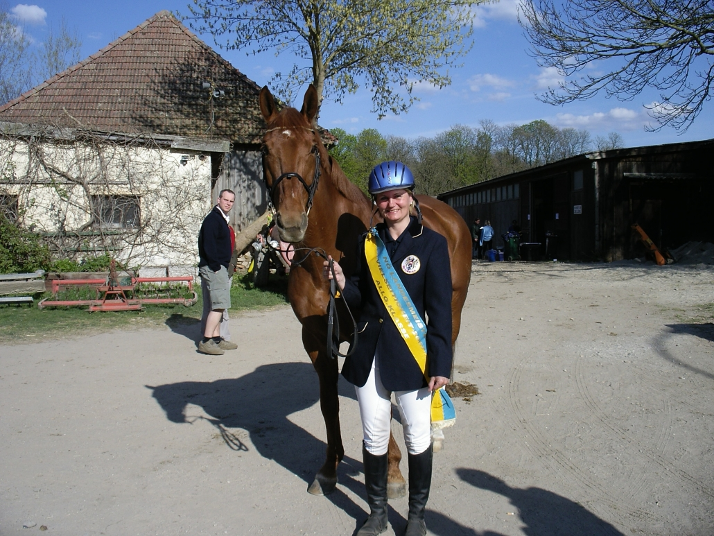 Claudia Möller hat sich mit Herz und Seele dem Pferdesport verschrieben. © privat