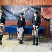 Tamara Brandner von sattel-check.at gratulierte der Siegerin und den Platzierten vom SeaBis Cup 2021 powered by sattel-check.at. © privat