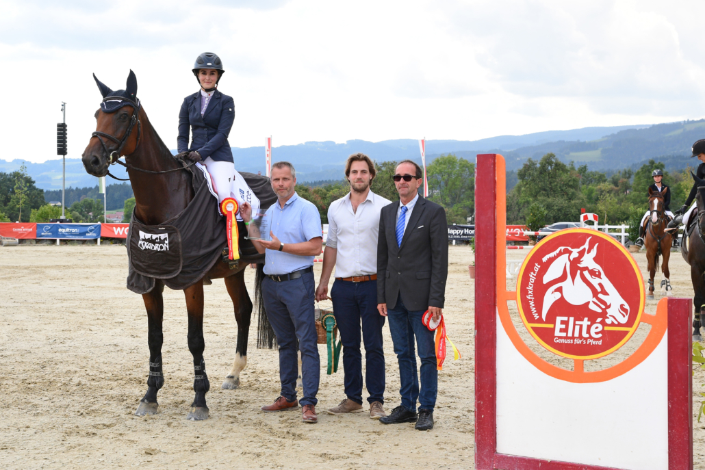 Das Fixkraft Superfinale am Reiterhof Stückler gewannen Annika Walter & Coralle. 8c) HORSIC.com