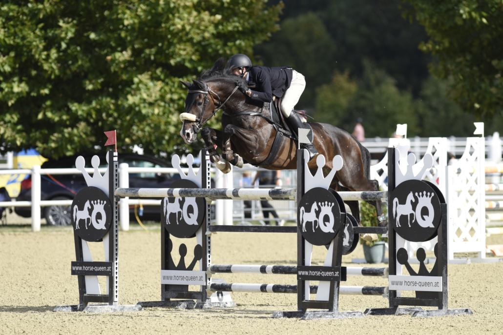 Bei den Jungen Reitern siegte Noah Domaingo auf The Great Gatsby. © HORSIC.com