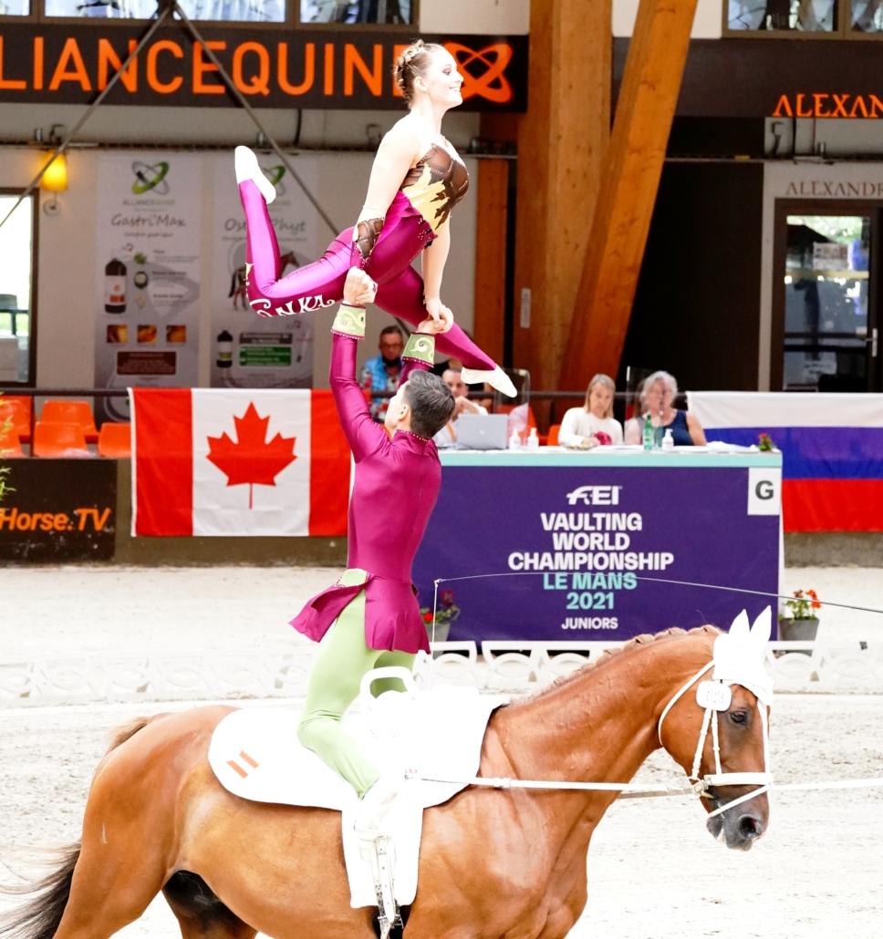 Junioren Weltmeisterin Anna Weidenauer holte nicht nur den Landesmeistertitel im Einzel, sondern mit Partner Paul Ruttkovsky auch im Junioren Pas de deux. © Andrea Fuchshumer